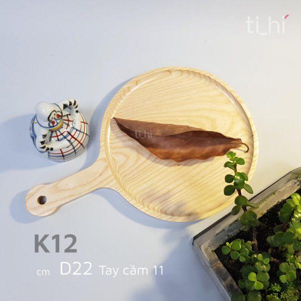 khay go dung pizza co san co tay cam d12 600x600 - Khay gỗ đựng pizza có sẵn - size 22 có tay cầm