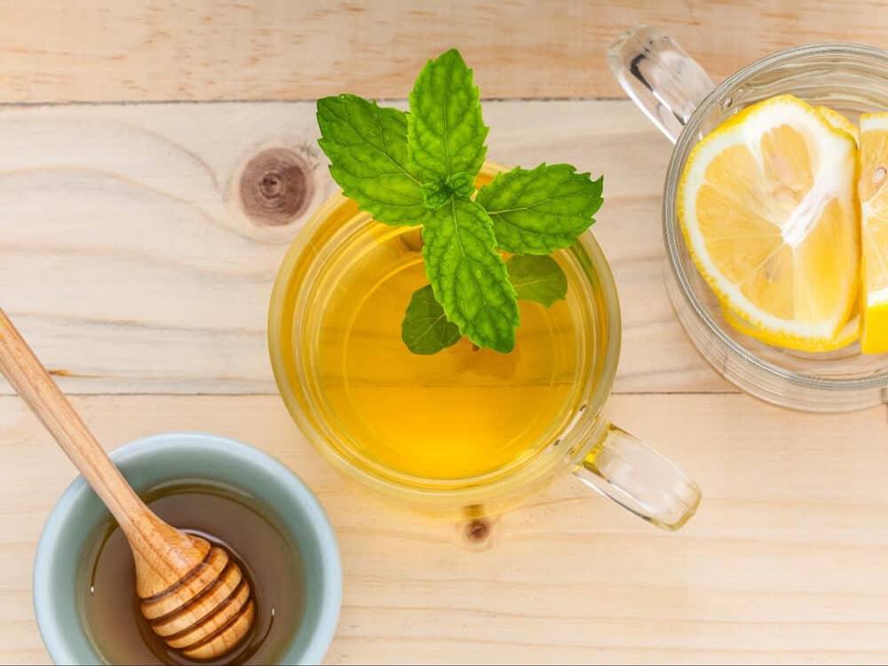 Trà xanh chanh leo kim quất mật ong có tác dụng đào thải độc tố, chống lão hóa và giảm stress rất hiệu quả.